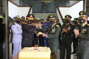 HUT TNI ke 75 Kapolda Jateng