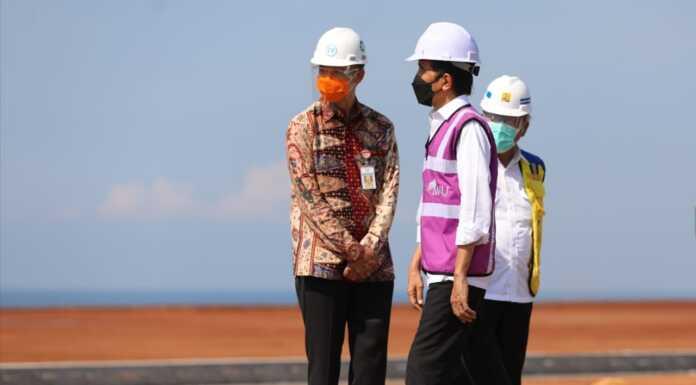 Ganjar Dampingi Jokowi
